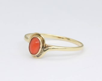 Minimalist gold ring with red coral, gold stacking ring, coral jewelry, minimalist ring, gemstone ring, vintage coral ring,  free shipping