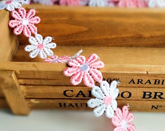 Pretty pink and white daisy embroidered trim/ daisy chain trim/daisy flower ribbon/flower sewing on clothes