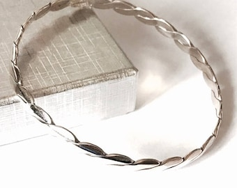 Sterling Silver Twisted Design Bangle