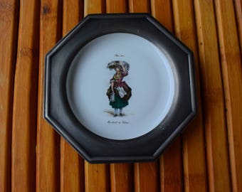 Tin and ceramic plate - decorative plate - made in France - pewter - Vintage -