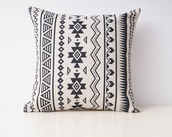 Aztec decorative pillow cover Tribal throw pillow covers Navajo pillow case Geometric cushion case Ethnic pillow cases Home decor gift 18x18