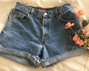 Levis high waisted 550 shorts