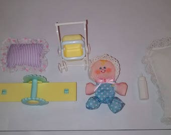 Vintage Fisher Price  Smooshees 1987 BONNIE BABY DOLL Plush W/ Smooshees Critter Cuddlers -On The Go-Baby Stroller And Acceseries