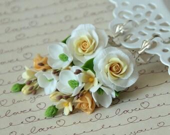 roses earrings, flower earrings, dangle earrings, chandelier earrings, gift earrings, wedding jewelry, bridesmaid earrings, bridesmaid gift
