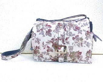 "Small Messenger bag, ""Shabby ball tallow"" upholstery floral retro floral and grey denim"