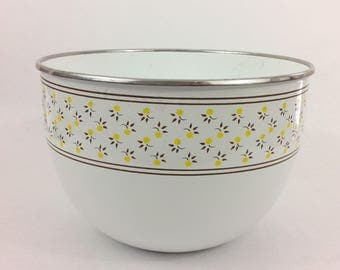 """Vintage Enamel Mixing Bowl 6"""" White with Yellow Flowers M. Kamenstein Inc. Dining Baking Kitchen Shabby Chic Cottage Home Decor"""
