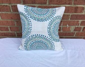 Round Circles pillow cover. Throw pillow. Illusion. Dots.