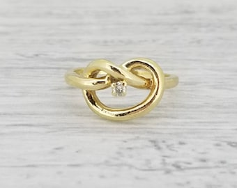 14k vintage knot ring with diamond