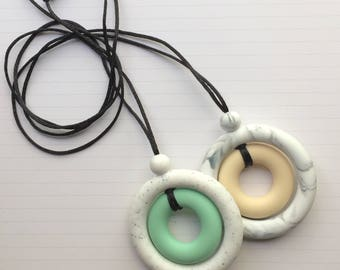 Silicone teething necklace - teething pendant for mom - teething necklace for mom - silicone teething ring - baby shower gift - gift for mom
