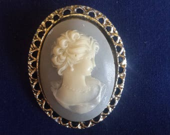 Vintage Blue Cameo Pendant Lapel Pin in Cream on Blue