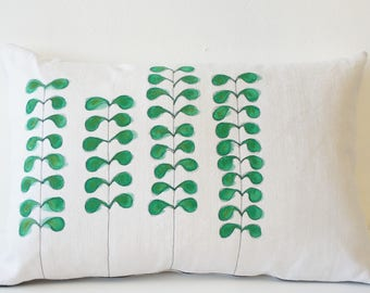 Removable vintage fabric issued from recycled vintage linen rectangle pillow handpainted with Foliage Green and embroidered thin black wire
