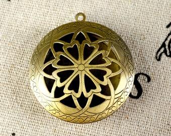 Locket pendant bronze vintage style jewellery supplies C233
