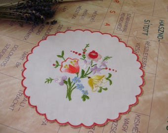 Lovely Vintage,Hungarian handmade embroidered round doily,Kalocsa flower pattern,Cottage/Shabby Chic