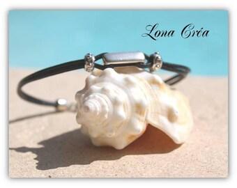 Leather Bracelet - silver zamak metal beads - small Zamak clasp silver