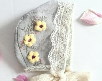 Avery- Embroidered baby bonnet // linen bonnet/ lace bonnet.