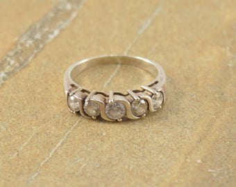Clear Stone Circle Bezel Wavy Ring Size 7.75 Sterling Silver 3.8g Vintage Estate