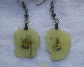Real Pansy Jewelry Set, White Pansy Necklace and Earrings, Bridal Jewellery, Resin Flowers, Dried and Pressed Flowers and Petals, Unique gif