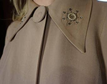 True Vintage Volup 1930s or 1940s Vintage Gaberdine Swing Coat / Jacket In buff pink