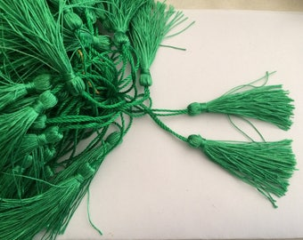 Tassel length 5 cm about green color