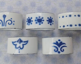 5 Napkin rings, enamel, blue and white
