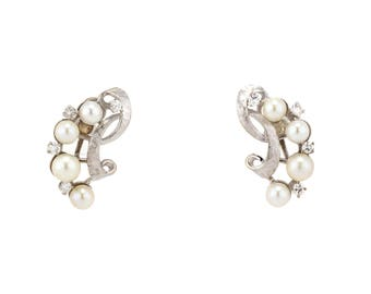 Vintage Ladies Pearl & Diamond Earrings in 14K White Gold With 0.56 CTW Round Brilliant Cut Diamonds