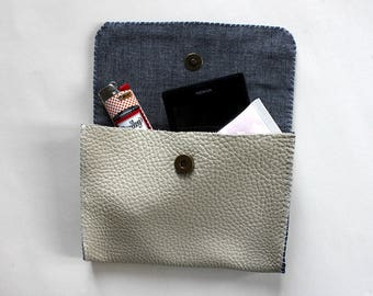 All leather clutch in Navy