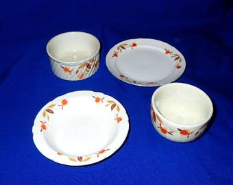 Lot of Four Hall's Superior Quality Kitchenware, Jewel Tea Mary Dunbar approved Autumn Leaf Peices