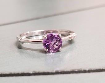 Sterling Silver Amethyst Ring / Amethyst Ring / Amethyst Jewelry / Amethyst Solitaire Ring. / February Birthstone