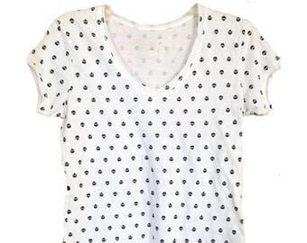 White V-Neck Shirt - Skulls Print