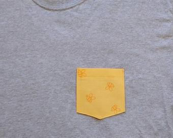 Winnie the Pooh Pocket Tshirt / Winnie the Pooh Honeybee Pocket Shirt / Winnie the Pooh Pocket Tee / Winnie the Pooh Honeybee Shirt