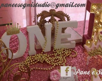 Wood letters, shabby, wedding Decorations, parties, or materials to create decoupage, embellishment buffet. You keep standing