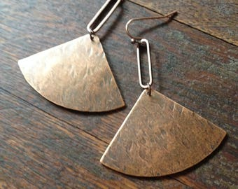 Deco rustic copper earrings. Copper geometric shapes paired and hanging from copper ear wires.