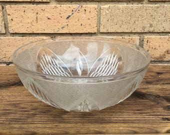 Glass serving bowl - Vintage pressed glass - 8 inches - celebration, sharing bowl