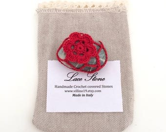 Red Flower Lace Pebble made in Italy, red Crochet covered Pebble, Love gift, Home Decor, Romantic Wedding. Red Floret x Valentine's Day.