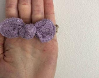 Round knotted bow