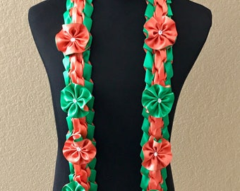 Double braided lei with flowers