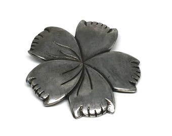 Pewter Flower Belt Buckle