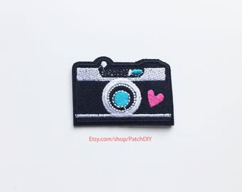 Patch CAMERA iron on embroidered applique photographer photography trip around the world passion fashion Instagram DIY heart custom bag fun