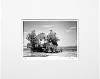 "Danilo Böhme ""The Rock"", Schwarzweiß-Fotografie, FineArt Print im Passepartout, Original, Vintage Print, Limitiert, Handsigniert"