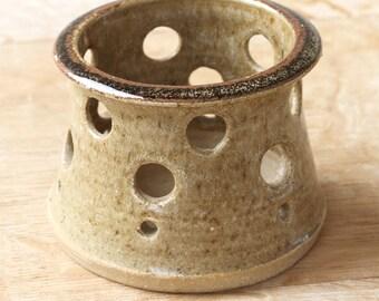 Vintage Ceramic Candle Burner, Ceramic Candle Holder 7 x 9  cm
