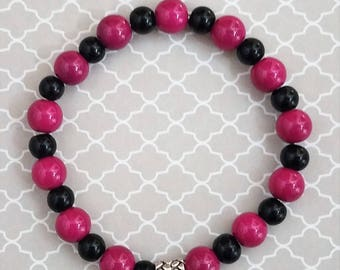 Handmade Hotpink and Black Glass Beads on a Stretchy Bracelet