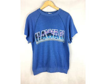 VINTAGE HAWAII by Hanes Crops Hand Full Print Like T-Shirt Nice Design Made in USA Sweatshirt / T-shirt