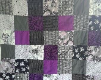 Lap / throw quilt