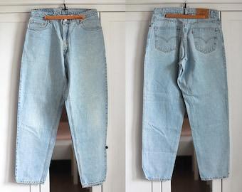 Levis 560 Jeans Blue Denim High Waist Size W34 L32  Vintage Boyfriend  Men Women Jeans