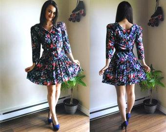 3/4 sleeve summer dress / date night dress / long sleeve dress / summer dress / unusual dresses / quarter sleeve dress / rose print dress