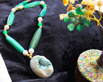 Druzy stone pendent necklace