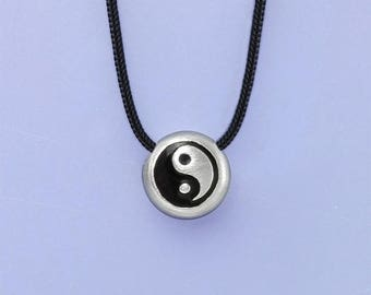 yin and yang silver charm necklace, tai chi necklace, Taoism symbol, balance necklace, spirituality gift, yin yang jewelry, good and evil