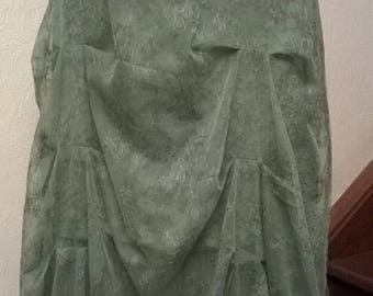 Mid long skirt in green lace