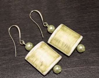 Green natural bead and pearl earrings
