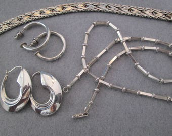 """15.6gm. Solid Sterling Silver 18"""" Bar & Ball Chain>> Made in Italy>> Unique and oh so Pretty! >>New old stock, never worn"""